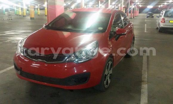Buy Kia Carens Red Car in Windhoek in Namibia