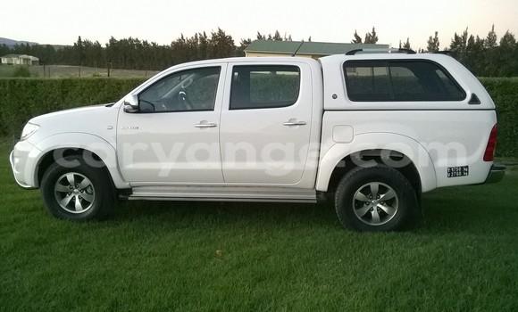 Buy Toyota Hilux White Car in Keetmanshoop in Namibia