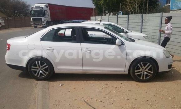 Buy Volkswagen Bora White Car in Oshakati in Namibia