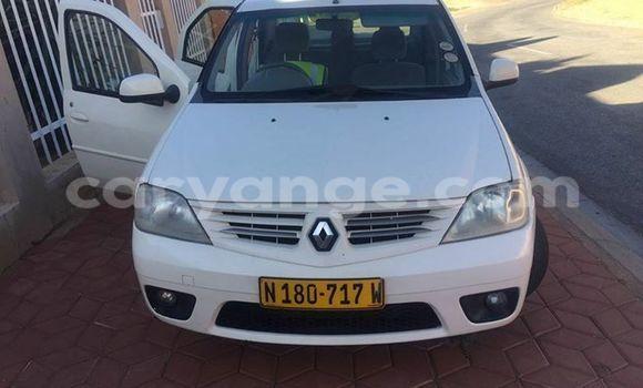 Buy Renault Clio White Car in Windhoek in Namibia