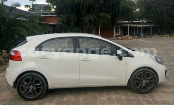 Buy Kia Rio White Car in Windhoek in Namibia