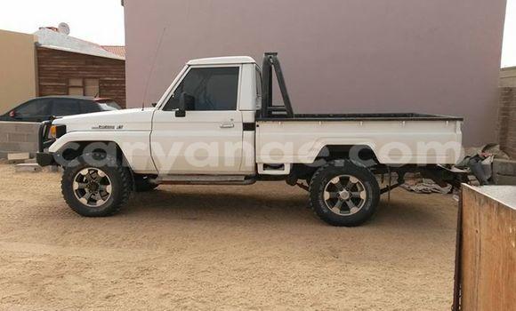 Buy Toyota Land Cruiser White Car in Windhoek in Namibia