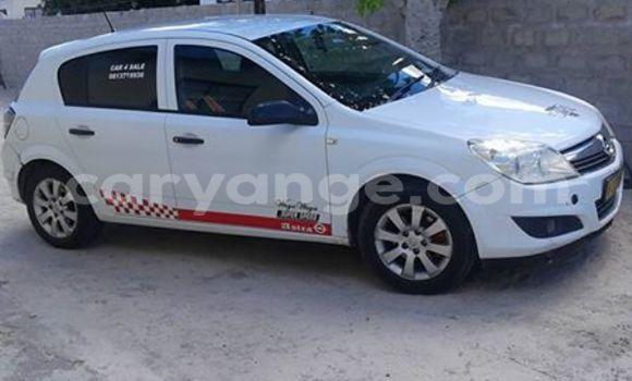 Buy Opel Astra White Car in Windhoek in Namibia