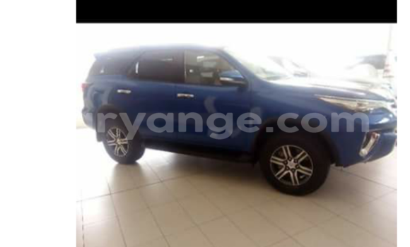 Buy Chevrolet Avalanche Blue Car in Swakopmund in Namibia