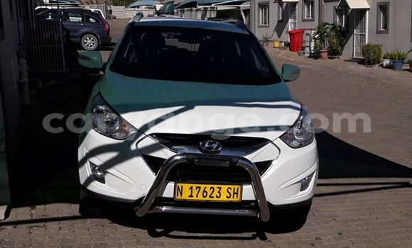 Buy Hyundai Ix35 White Car in Windhoek in Namibia