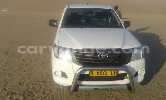 Buy Toyota Hilux White Car in Windhoek in Namibia